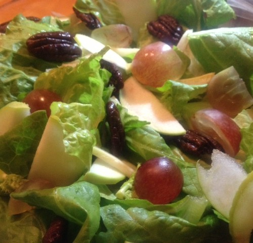 Mixed Green Salad with Apples and Grapes