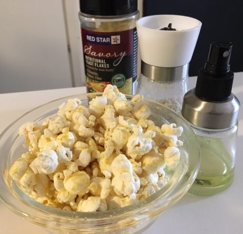 Vegan Savory Popcorn with 'Nooch'